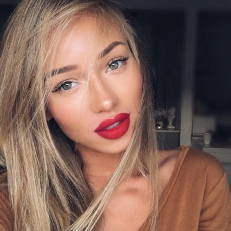 lips-experience-girl